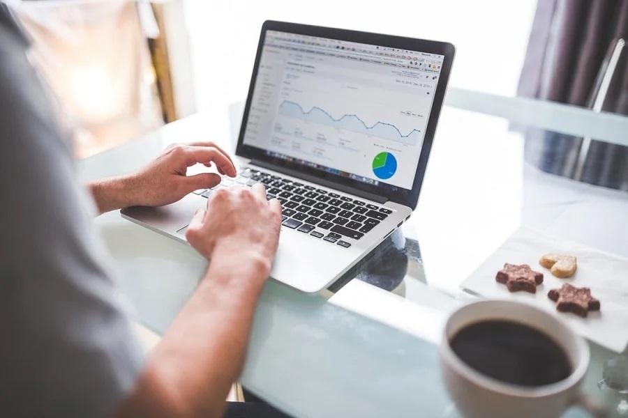 Biznes w internecie z małymi środkami