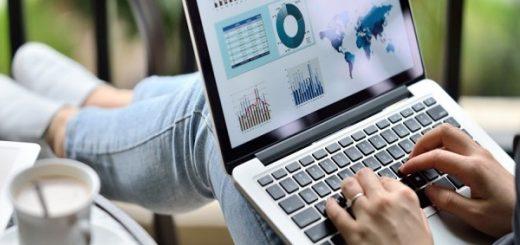 Jak zarabiać na domenach internetowych